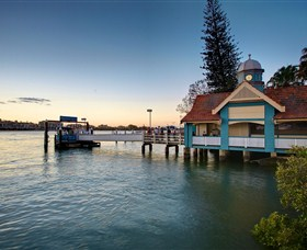 Oxford Street Bulimba - Broome Tourism