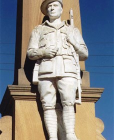 Beaudesert War Memorial - Broome Tourism