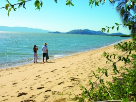 Bushland Beach - Broome Tourism