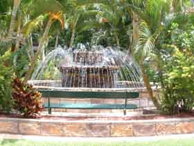 Bauer and Wiles Memorial Fountain - Broome Tourism