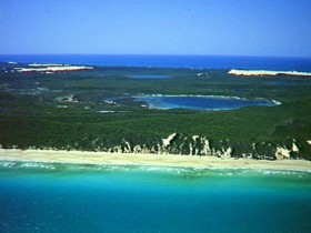 Fraser Island Great Sandy National Park - Broome Tourism
