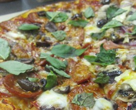 Mezzadellas Woodfired Pizza and Tapas - Broome Tourism