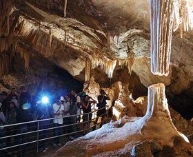 Jenolan Caves - Broome Tourism
