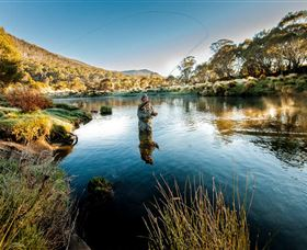 Fly Fishing Tumut - Broome Tourism