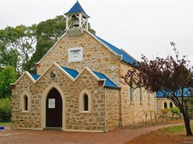 Christ Church Yankalilla - Broome Tourism