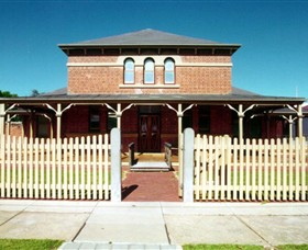 Wentworth Courthouse - Broome Tourism