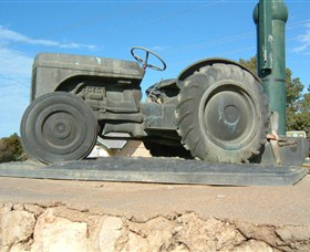 Ferguson Tractor Monument - Broome Tourism