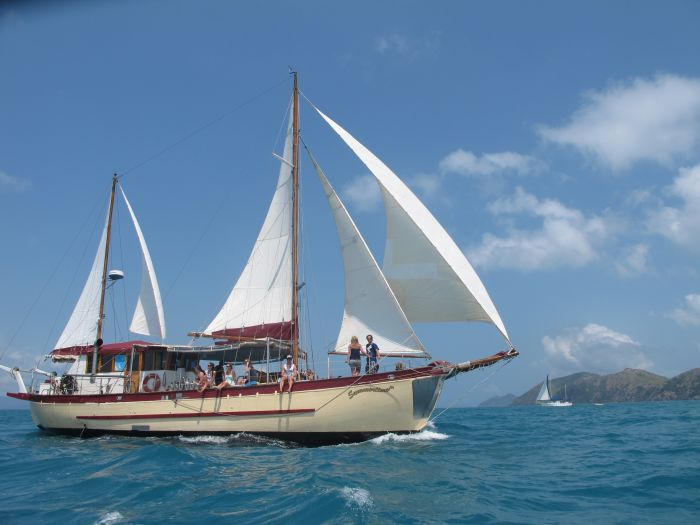 Adventure Cruise Dive and Outer Reef - Whitsundays Sailing Adventures - Broome Tourism