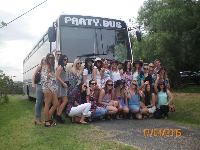 R  R Bus and Leisure Hire - Broome Tourism