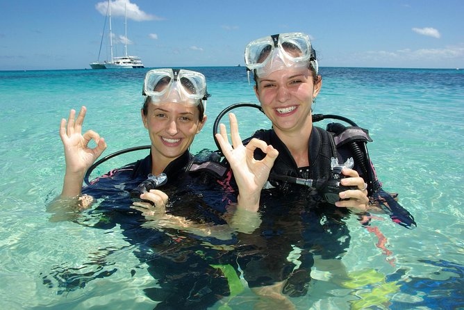 Ocean Spirit Michaelmas Cay Dive and Snorkel Cruise from Palm Cove - Broome Tourism