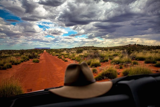 Mount Conner 4WD Small Group Tour from Ayers Rock including 3-Course Dinner - Broome Tourism