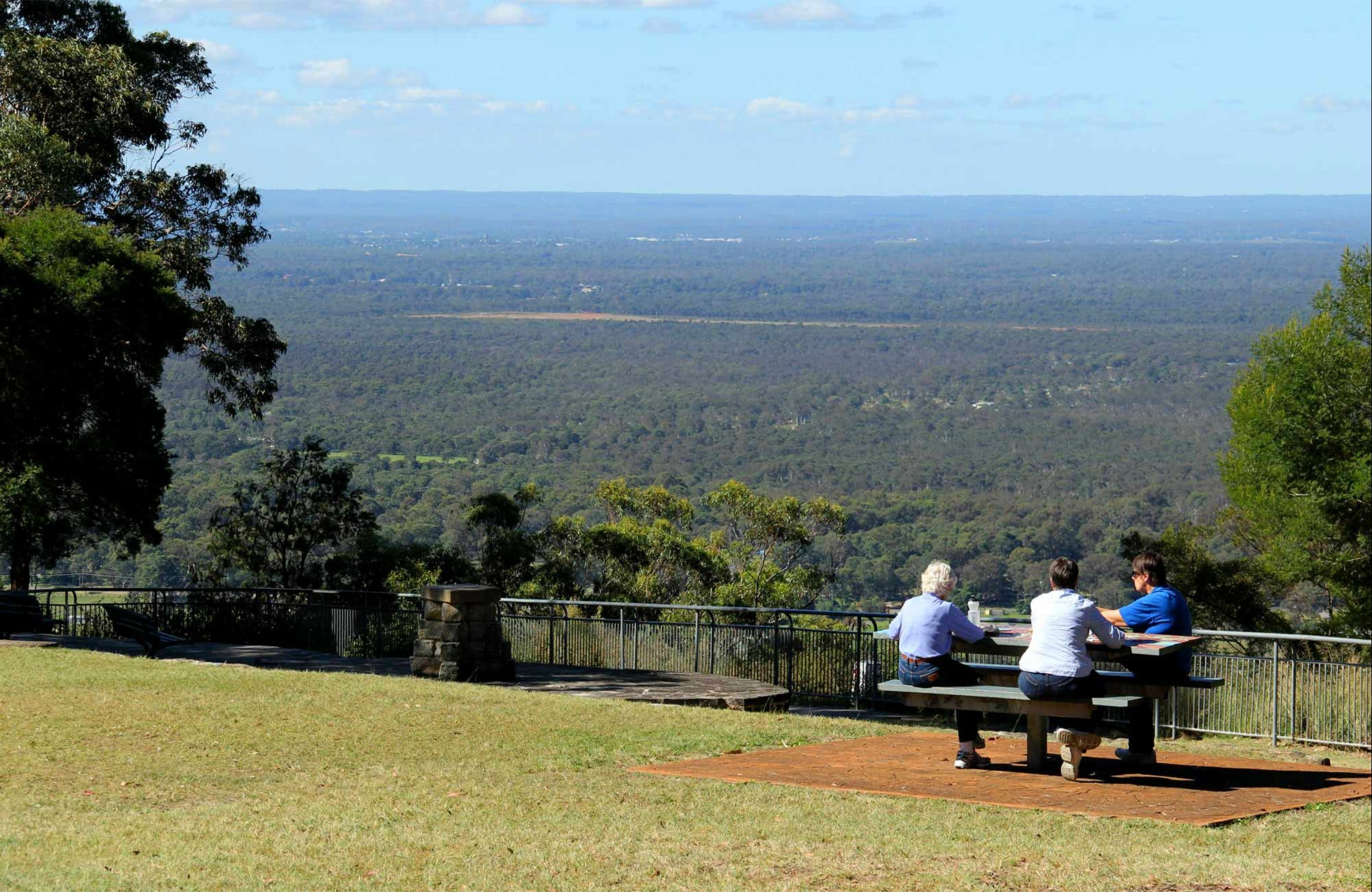 Hawkesbury Lookout - Broome Tourism