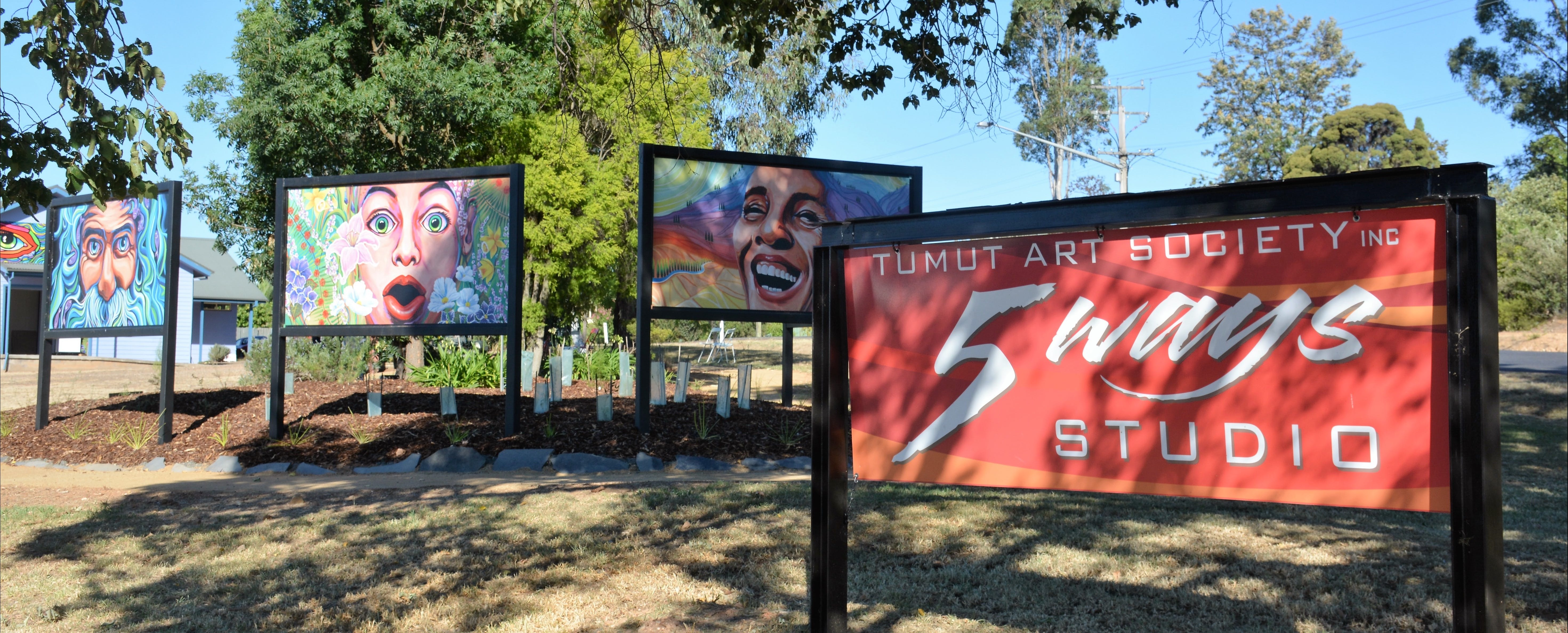 Tumut Art Society 5Ways Gallery - Broome Tourism