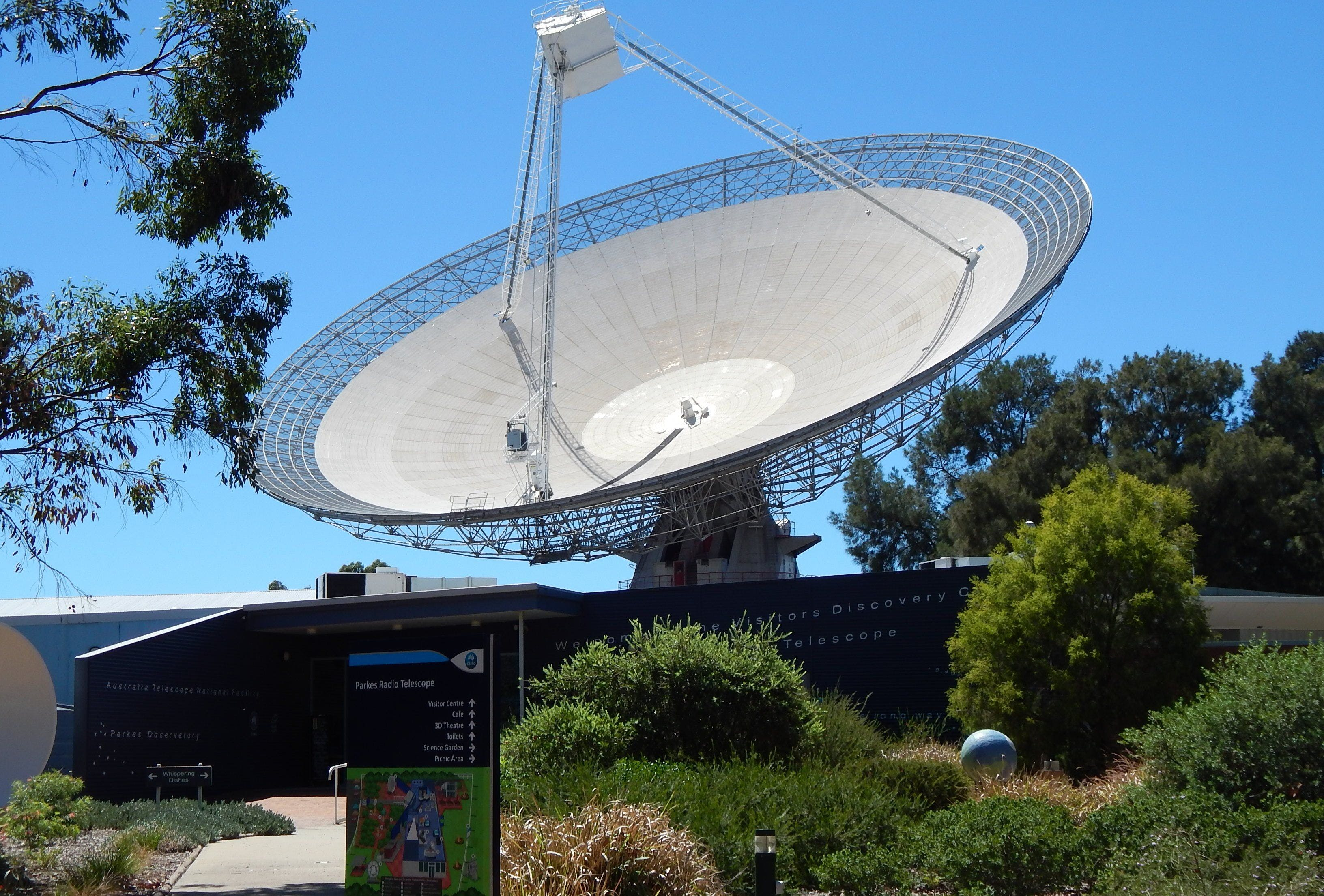CSIRO Parkes Radio Telescope Visitor Centre - Broome Tourism