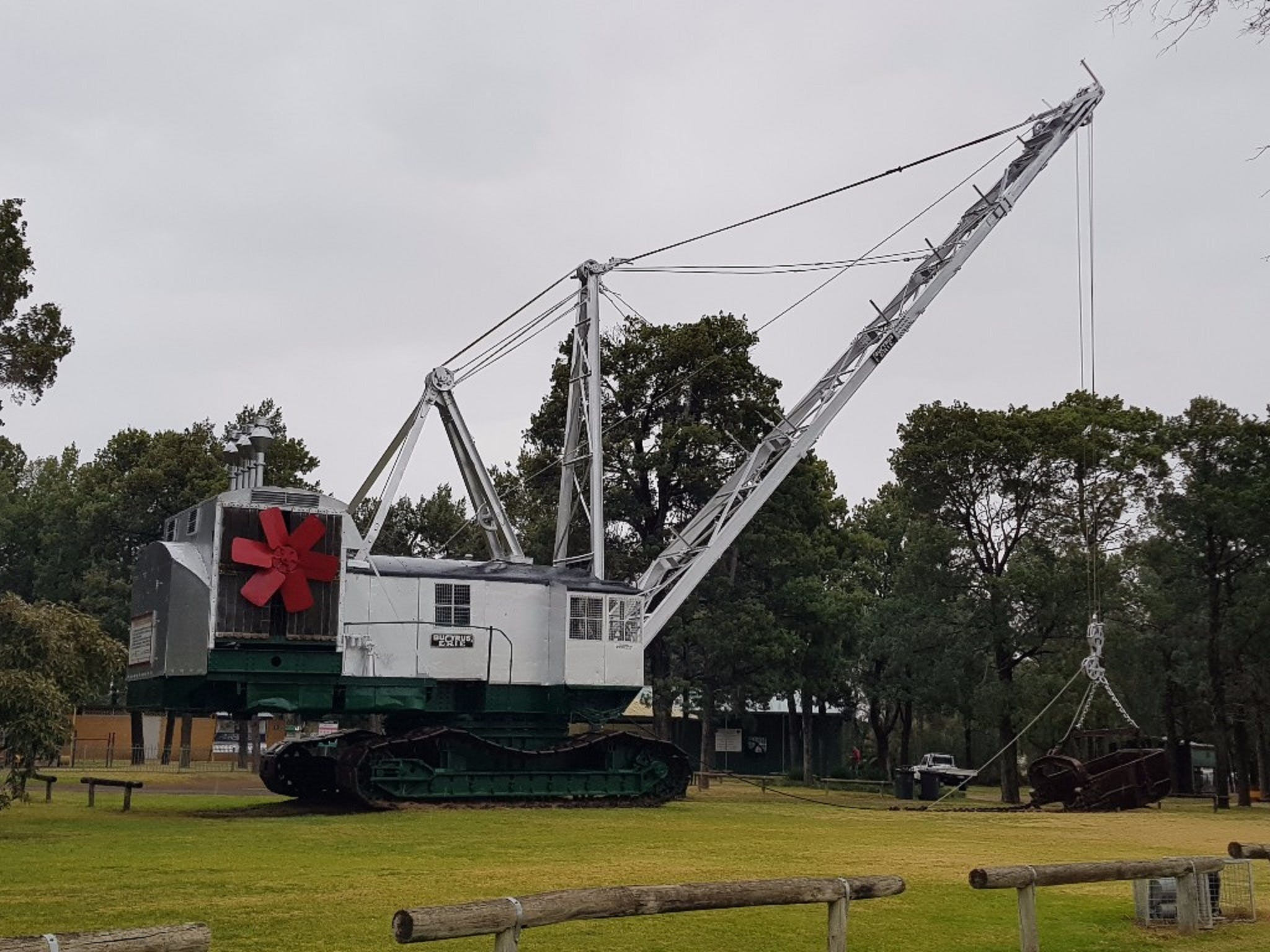 Coleambally Bucyrus Erie Dragline Excavator - Broome Tourism