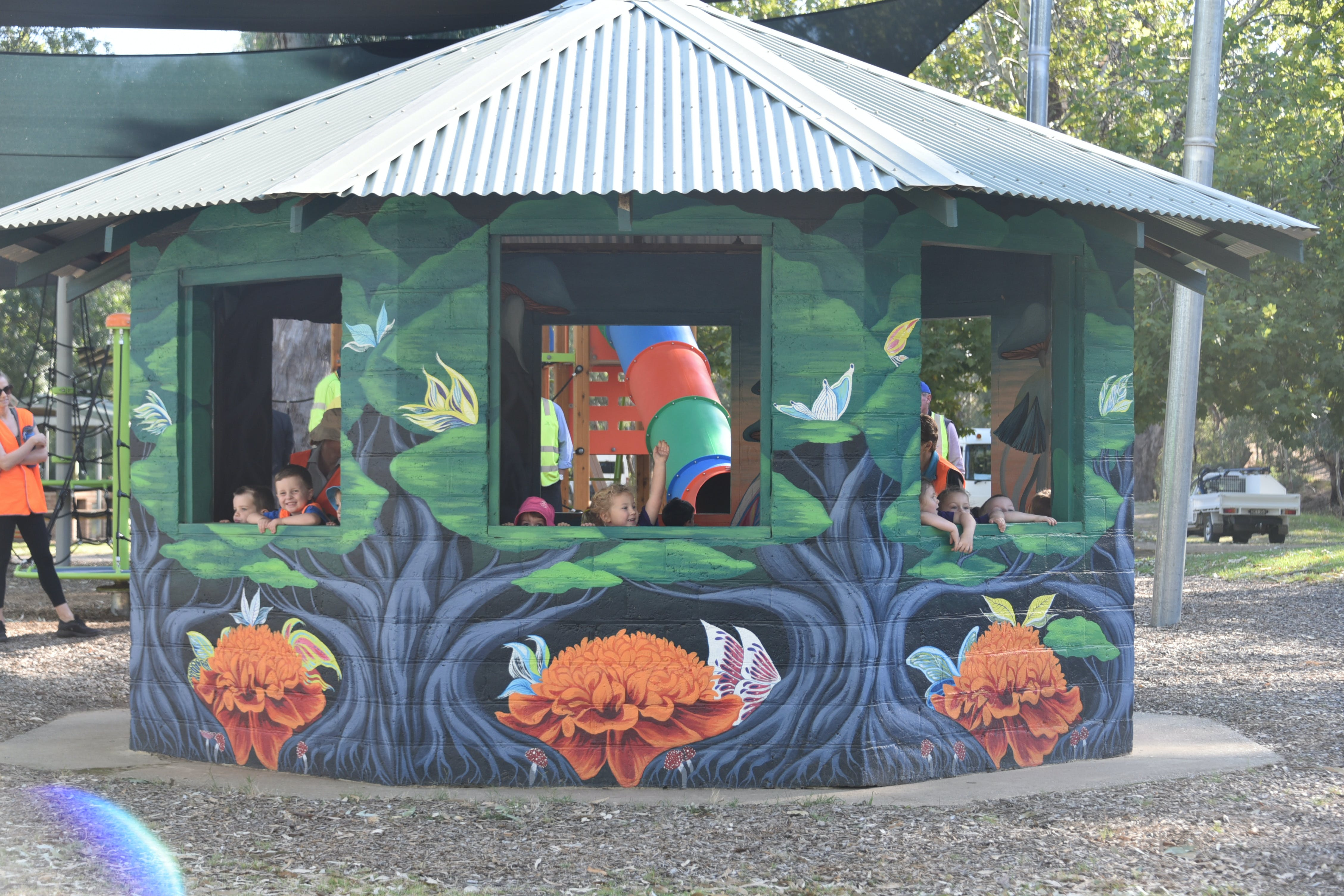Howlong's Enchanted Hut - Broome Tourism