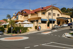 Harbord Beach Hotel - Broome Tourism