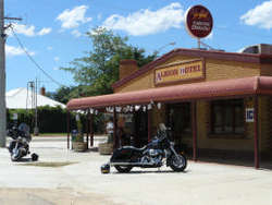 Albion Hotel Swifts Creek - Broome Tourism