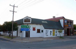 Black Lion Inn Hotel - Broome Tourism