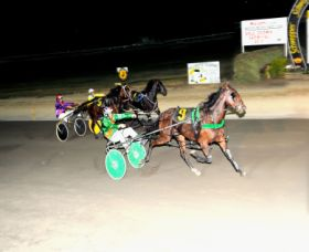 Bathurst Harness Racing Club - Broome Tourism