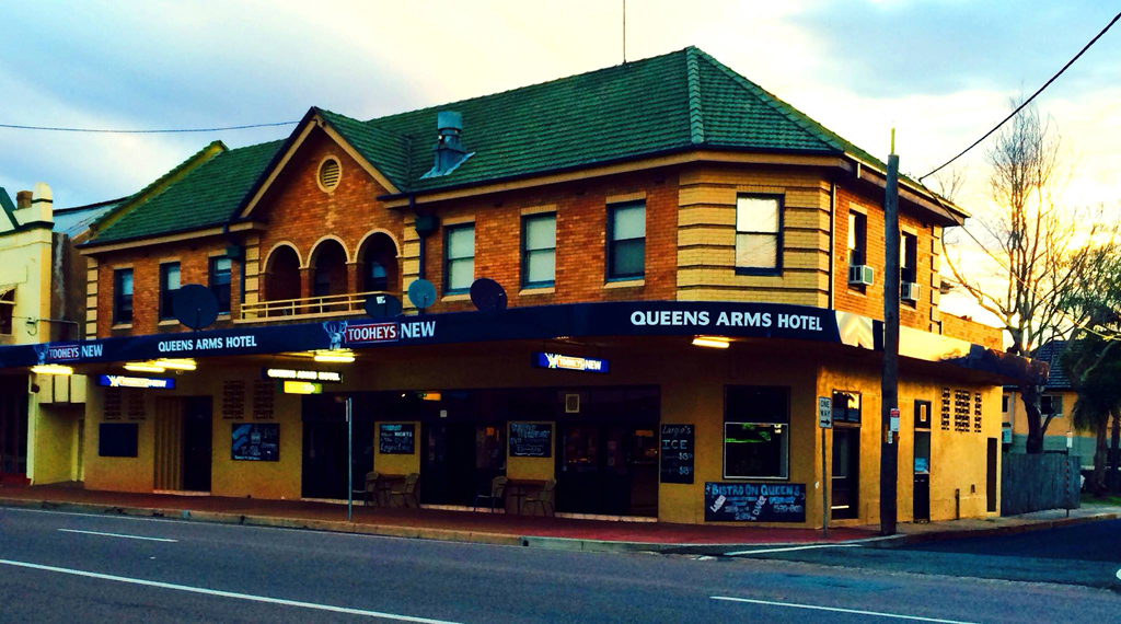 Queens Arms Hotel - Broome Tourism