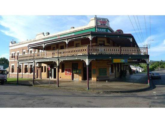 Bank Hotel Dungog - Broome Tourism