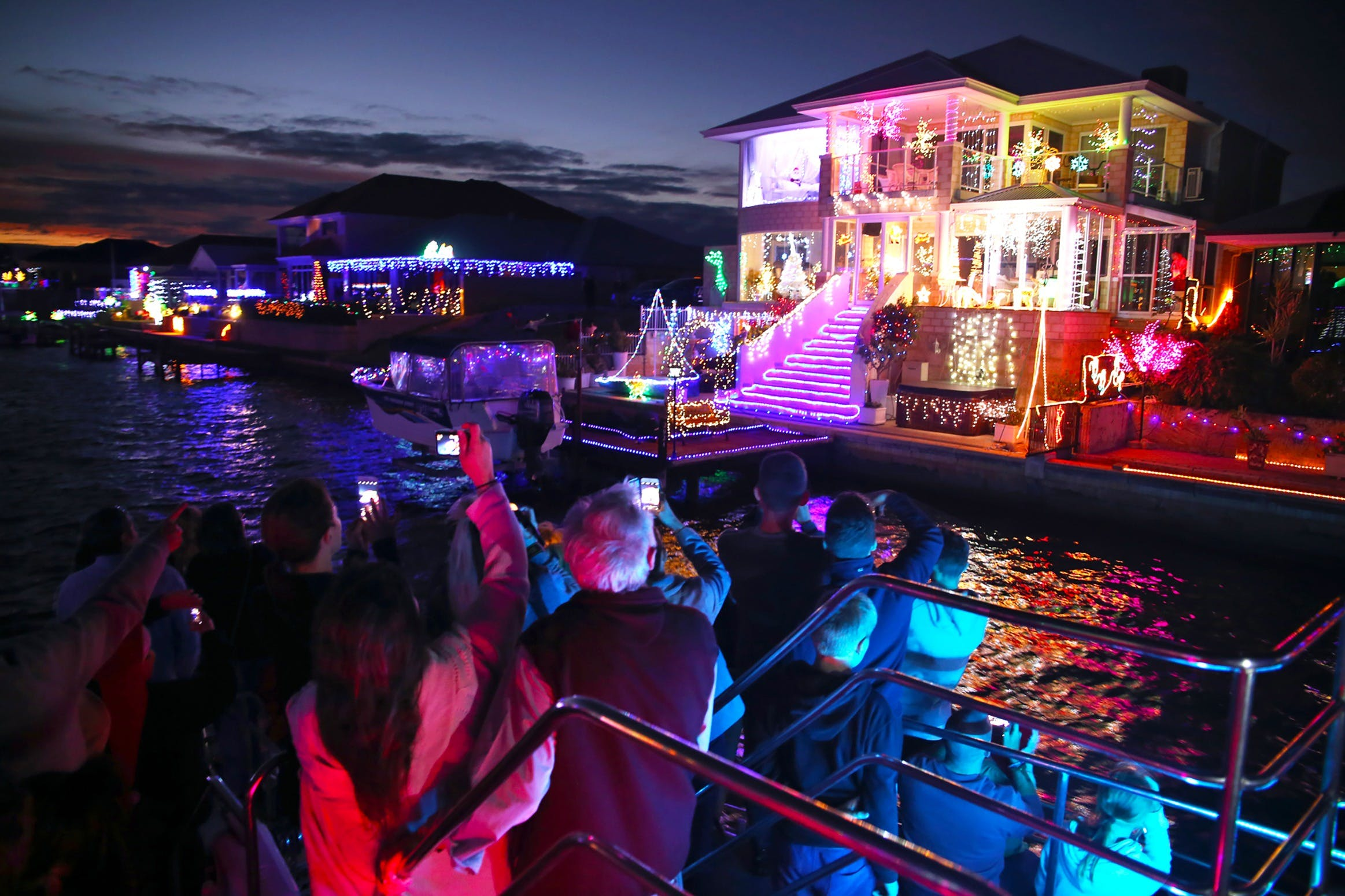 Christmas Lights Cruise - Broome Tourism