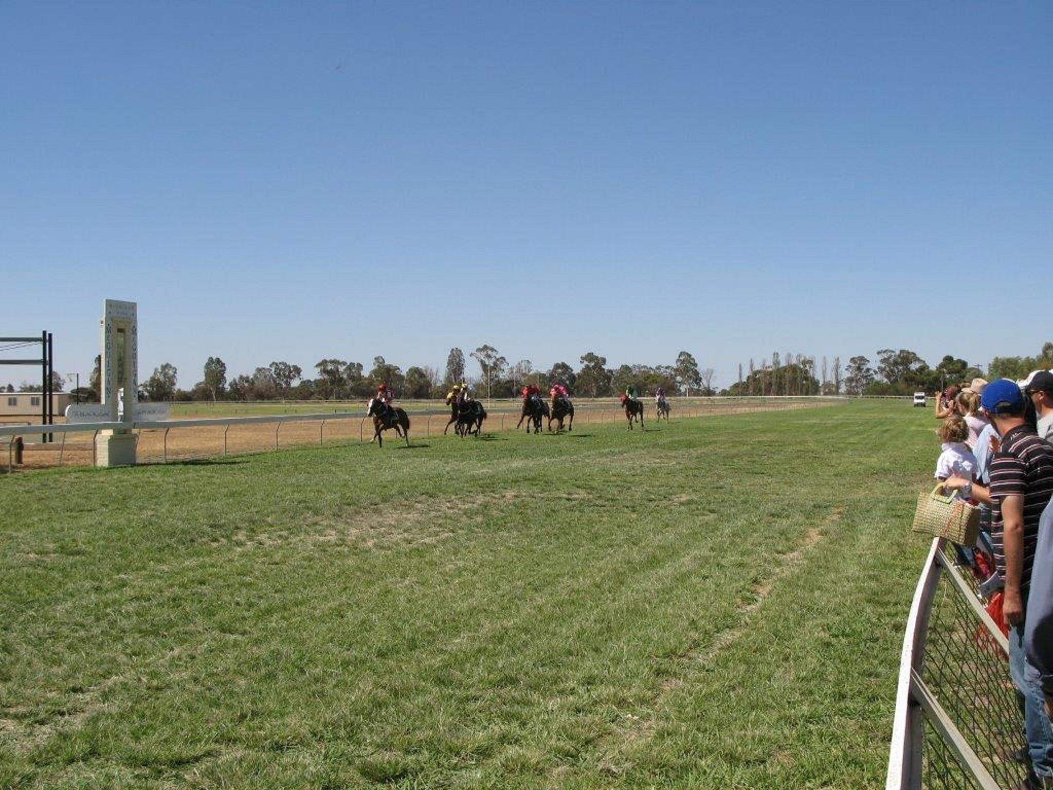 Balranald Races -Derby Day - Broome Tourism