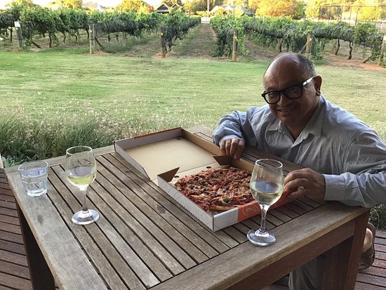 Rutherglen Pizza Takeaway - Broome Tourism