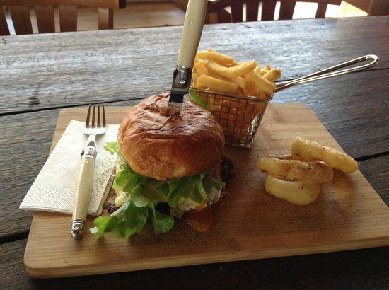 Doc Yarrum Cafe - Broome Tourism