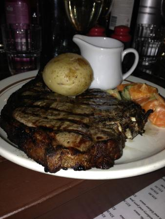 donegans steak house - Broome Tourism