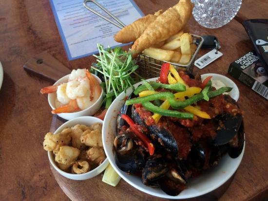 Sandy Cove Tavern - Broome Tourism