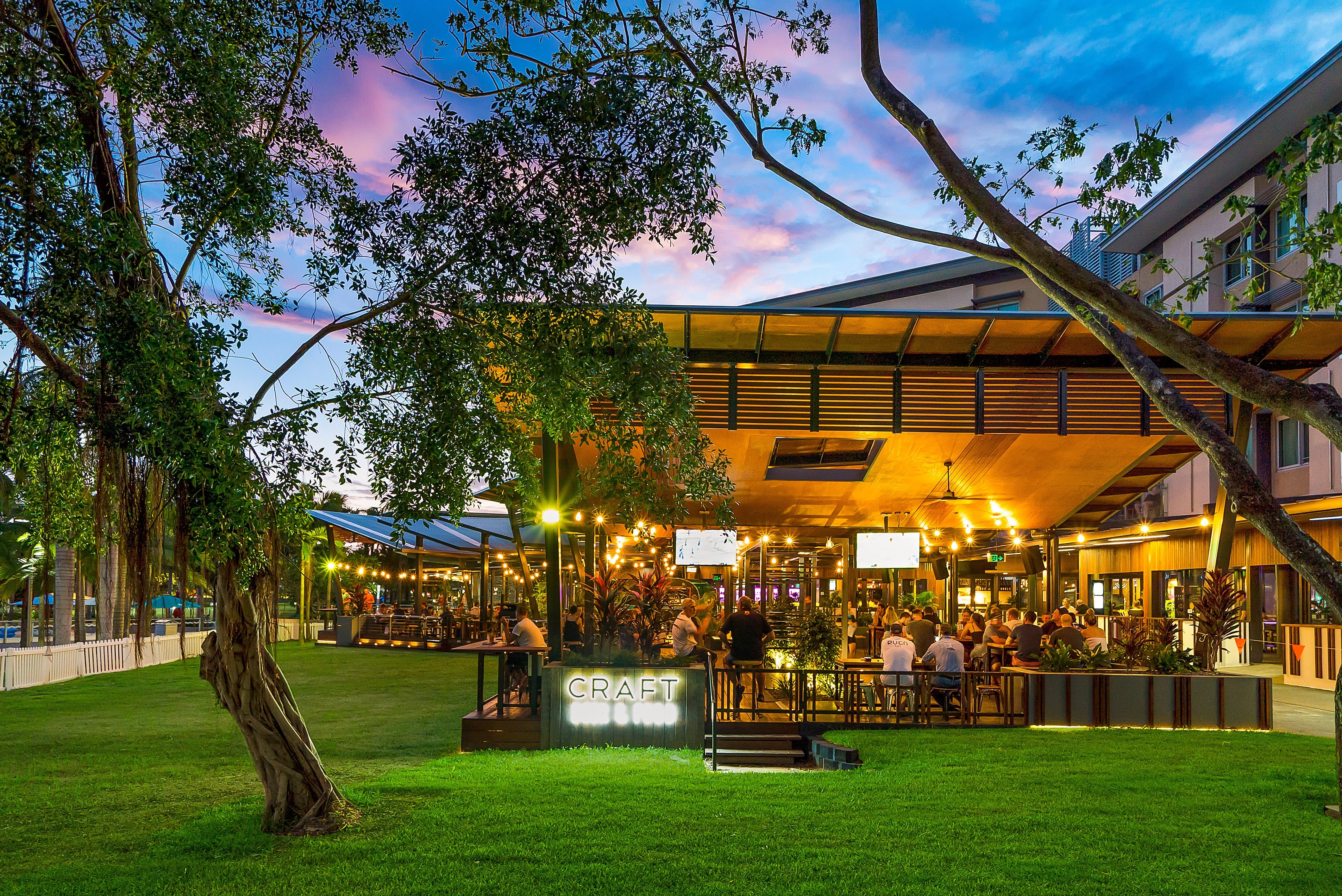 The Precinct Tavern - Broome Tourism