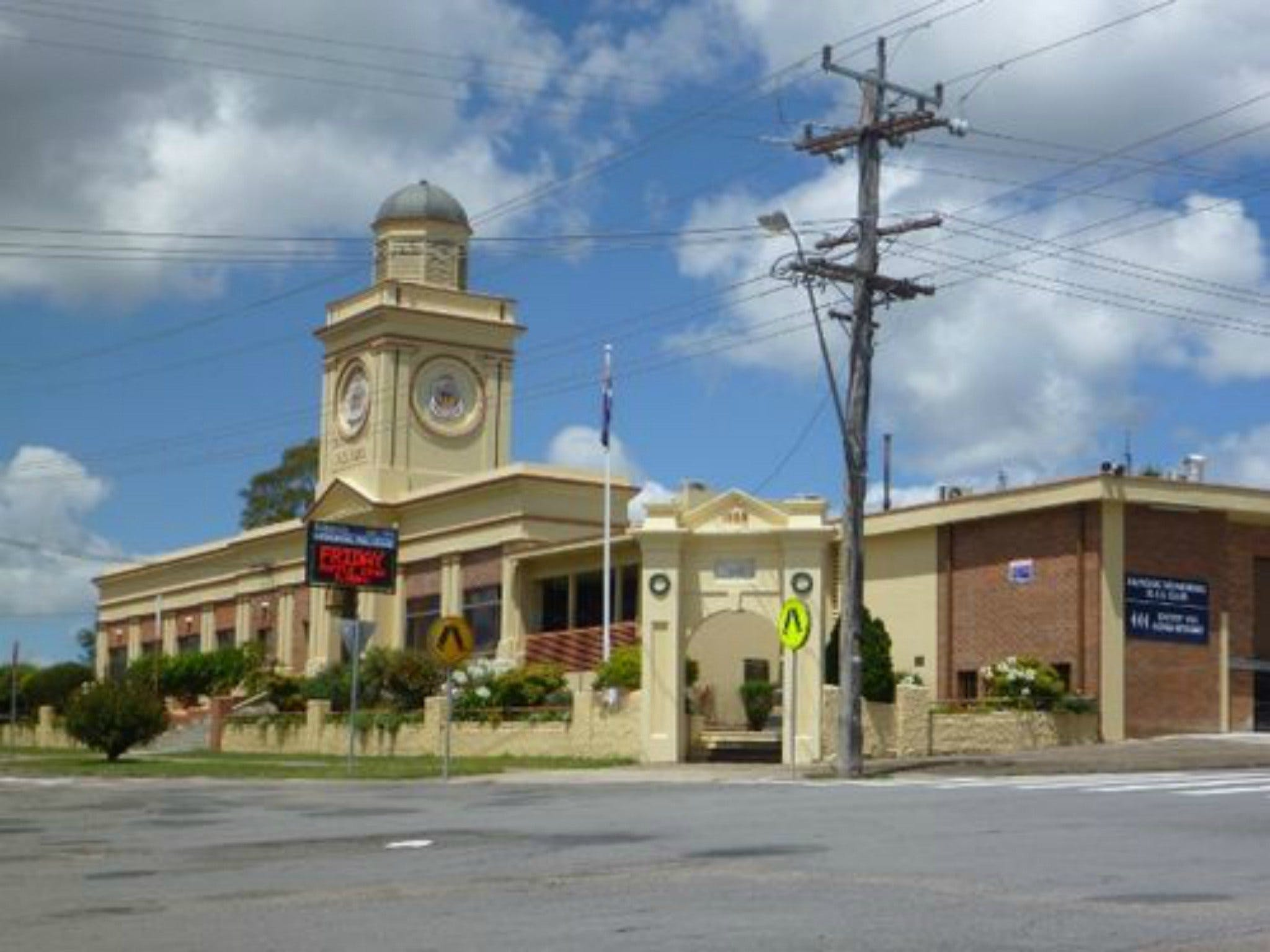 Dungog Memorial RSL Club - Broome Tourism