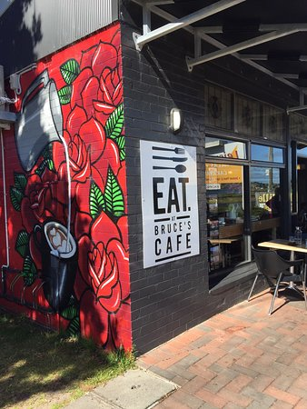Bruce's Cafe - Broome Tourism