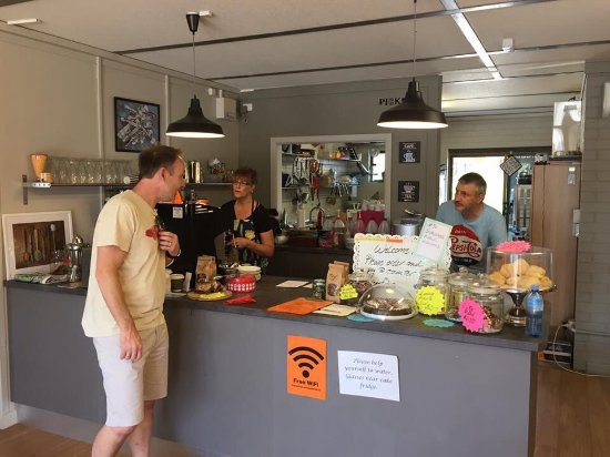Pickers Cafe  Collectables - Broome Tourism