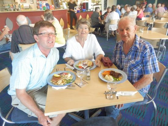 Bargara Lakes Tavern - Broome Tourism