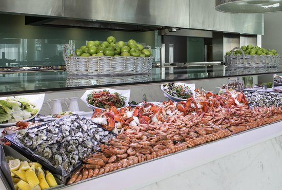 Terraces Seafood Buffet Restaurant at Sheraton Mirage - Broome Tourism