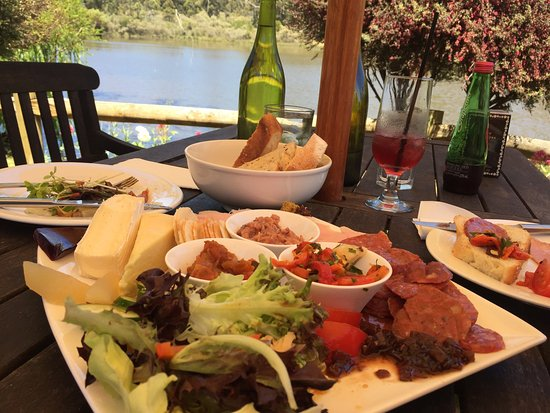 The Lake House Restaurant - Broome Tourism