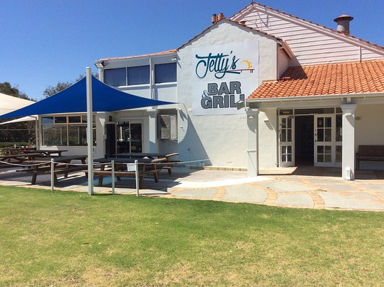 Jettys Bar and Grill - Broome Tourism