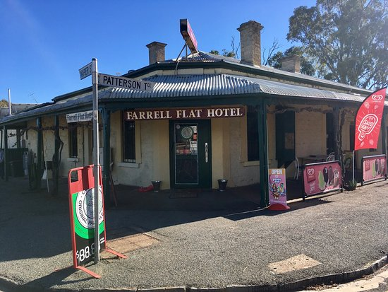 Farrell Flat Hotel - Broome Tourism