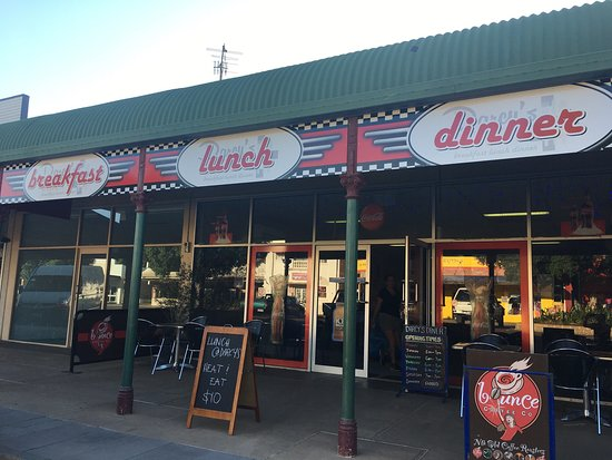 Darcy's Diner - Broome Tourism