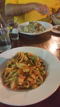 Holloways Pizza and pasta - Broome Tourism