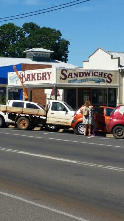 Gayndah Country Bakery - Broome Tourism