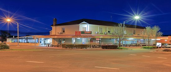 Grand Old Crow Hotel - Broome Tourism
