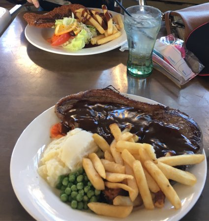 Rathy Pub - Broome Tourism