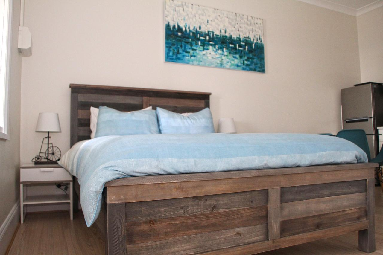 Smugglers Inn Studio Apartments - Broome Tourism