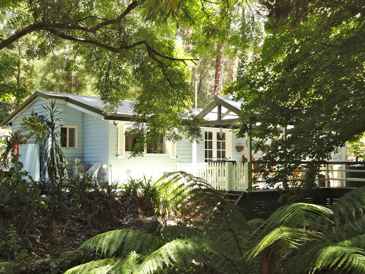 Aldgate Valley Bed and Breakfast - Broome Tourism