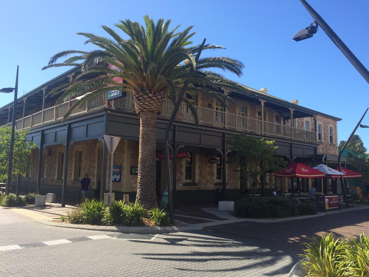 Grosvenor Hotel - Broome Tourism