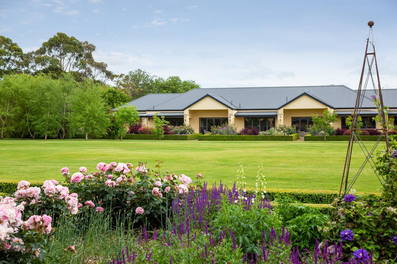 The Barn Accommodation - Broome Tourism